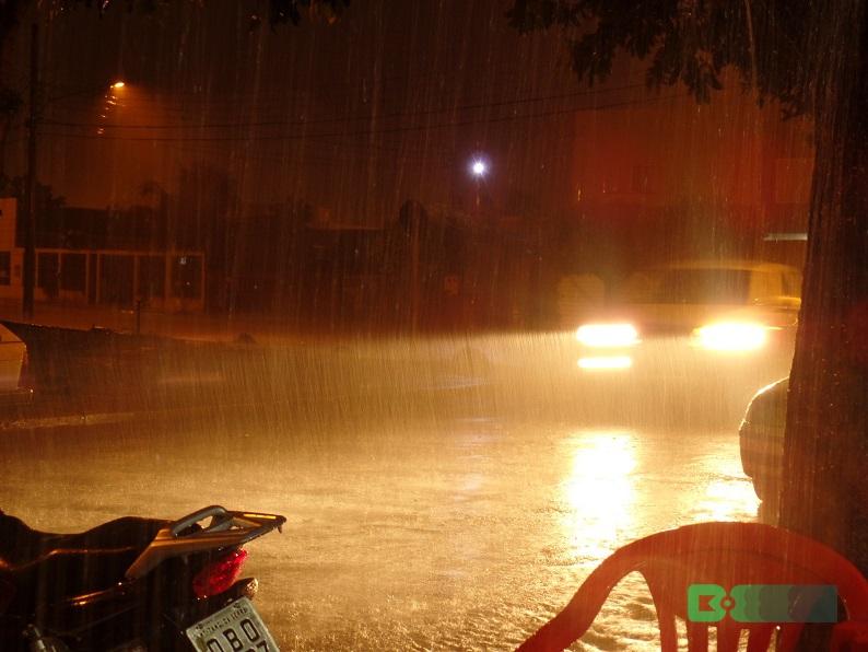 Chuvas podem acontecer a qualquer hora do dia ou da noite., com volumes que podem superar os 15 milímetros